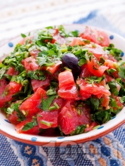 Салата от домати с магданоз - снимка на рецептата